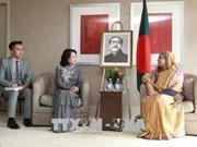 国家副主席邓氏玉盛会见孟加拉国总理谢赫·哈西娜