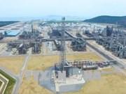 宜山炼油厂首批成品油出厂