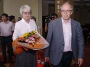 诺贝尔奖获奖科学家讨论越南科学与发展问题