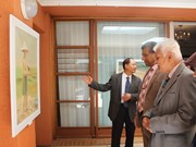 """越南在南非开""""沿海生活""""画展"""
