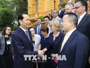 """越南国家主席陈大光会见出席""""以科学促发展""""研讨会的国内外科学家"""