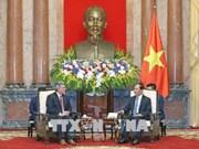 越南国家主席陈大光会见美国参议员