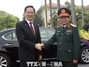 韩国国防部长宋永武对越南进行正式访问