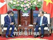 国家主席陈大光会见加拿大国防部长萨吉安