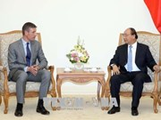 越南政府总理阮春福会见英国驻越大使