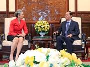 越南国家主席陈大光会见即将离任的荷兰驻越大使尼恩可