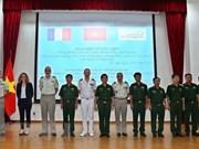 越南与法国开展维和工兵经验交流