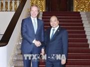 越南政府总理阮春福会见世界经济论坛执行董事博尔格·布伦德