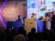 世界上首个被赋予公民权的机器人出席越南工业4.0高级别论坛