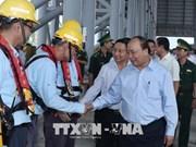 阮春福总理率团视察河静省永昂经济区的台塑集团的环保工作