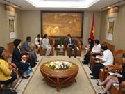 武徳儋副总理会见世卫组织的全球防治结核病规划主任特雷扎