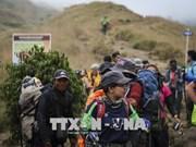 印尼6.4级地震: 1000多名被困登山人被疏散