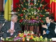 阮明哲主席会见乌克兰国会主席
