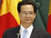 阮晋勇总理与德国总理就深化两国关系通电话
