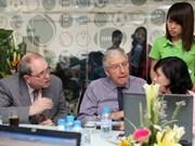 越南与英国加强多媒体培训合作