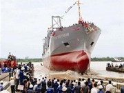 向德国船主转交9200吨级多功能集装箱船