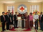 越南向柬埔寨洪灾受难者提供10万美元紧急援助