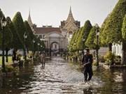 泰国大洪水:保护首都曼谷军队士兵就绪