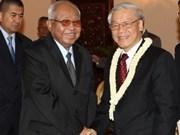 越共中央总书记阮富仲与柬埔寨国王西哈莫尼举行会谈