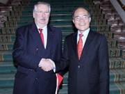 国会主席阮生雄与比利时众议院议长举行会谈