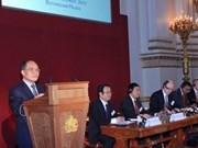 越南国会主席阮生雄访问英国圆满结束