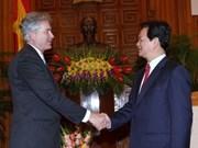 政府总理阮晋勇会见外国客人