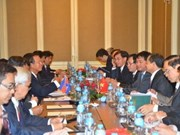 越柬交通运输部领导就今后五年合作方向达成一致