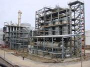 乙醇汽油生产厂第一批产品推出市场