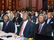 越南—安哥拉企业论坛在河内举行
