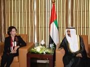 越南与阿拉伯联合酋长国加强友好合作关系