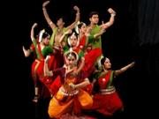 印度奥迪西舞蹈团在越南岘港市演出