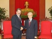越共总书记会见古巴共产党代表团