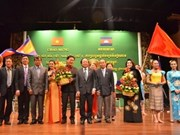 """""""2012年在柬埔寨的越南文化周""""拉开序幕"""