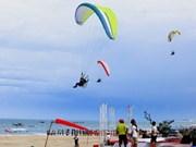 越南首次举办滑翔伞锦标赛