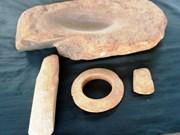 一套独特石器古物在河静省发现