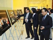"""""""越韩友好合作关系20周年""""图片展在河内举行"""