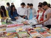 越南宣教部部长丁世兄会见全国各家新闻媒体机构领导