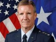 美国太平洋空军司令访问新加坡