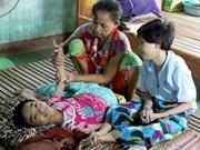 越南橙毒剂受害者:决不向命运投降 (二)