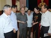 阮生雄主席与河静省琪英县选民接触