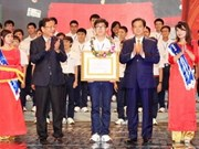 阮晋勇总理出席国际奥林匹克获奖学生和高考状元表彰大会