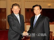 阮晋勇总理会见俄罗斯天然气工业股份公司董事长