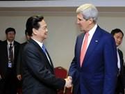 越南政府总理阮晋勇会见美国外长克里