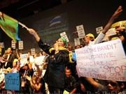 泰国反对党举行集会反对下议院通过特赦法案