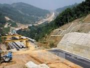 黄忠海副总理要求加快内排-老街高速公路建设项目施工进度
