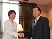 越南政府副总理武文宁应邀访问新加坡