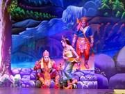 首届越南高棉族游鸡演唱会在朔庄省举行