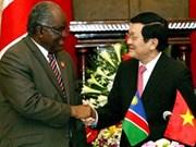越南国家主席与来访的纳米比亚共和国总统举行会谈