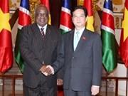 越南政府总理阮晋勇会见纳米比亚总统波汉巴