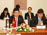 越柬经贸、文化与科技混合委员会第13次会议在金边召开